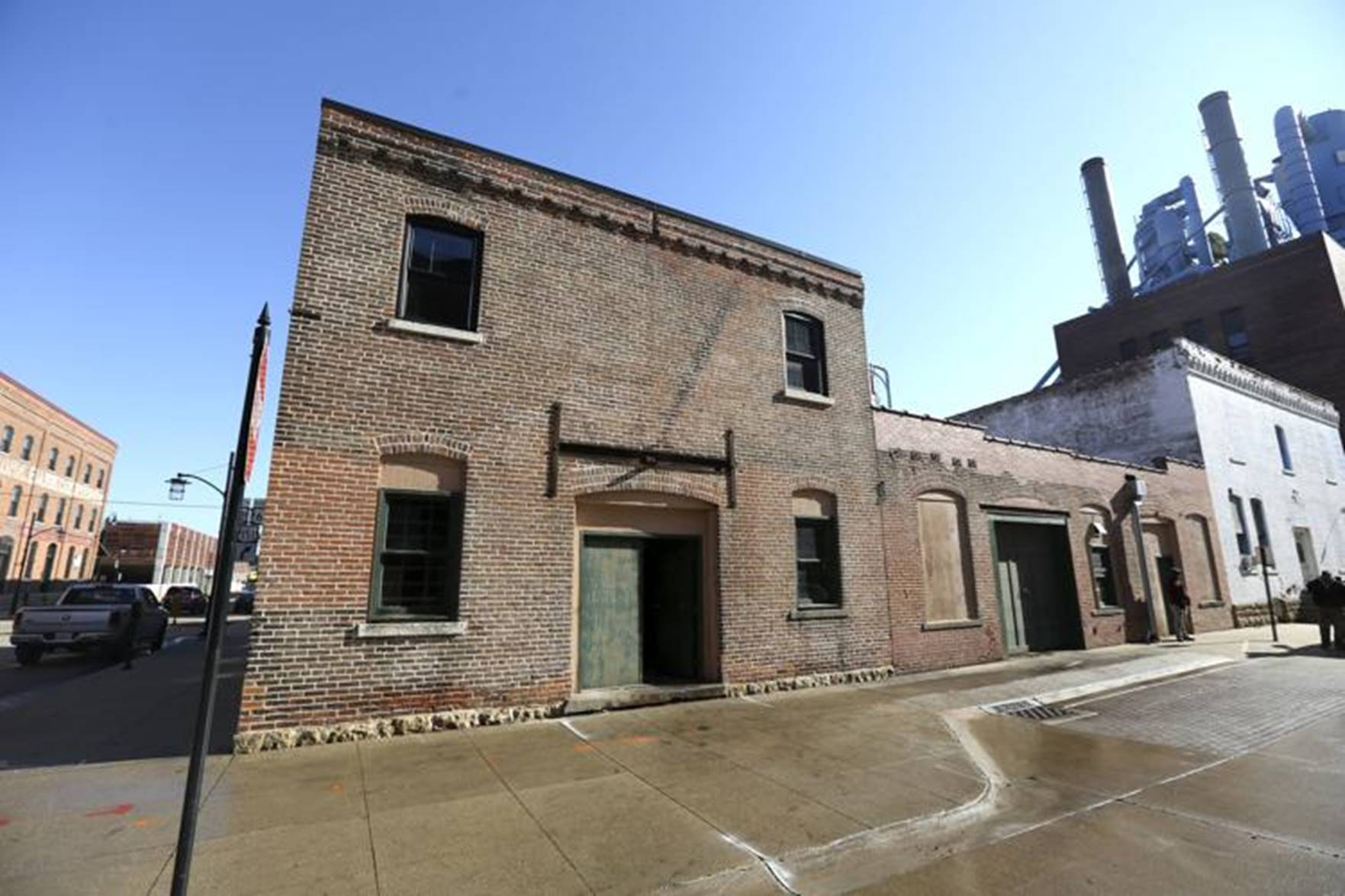 Platteville firm to bring new life to old ironworks building in Dubuque